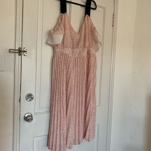 Pleated heart print dress with ruffle sleeve